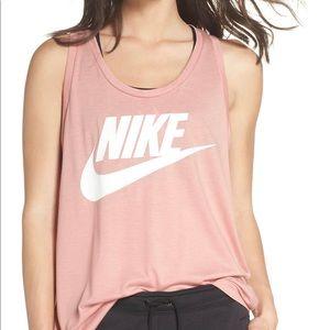 Nike Easential Logo Tank